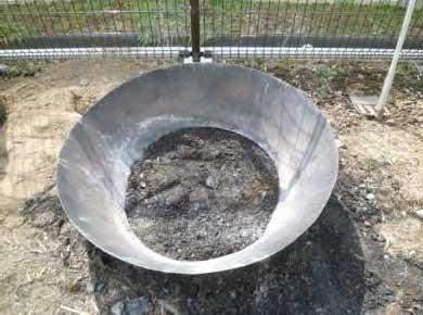 煙の出ない炭焼き器を設置